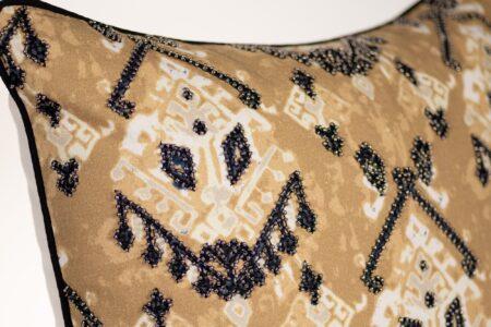 detail-EM3EP24D-corner
